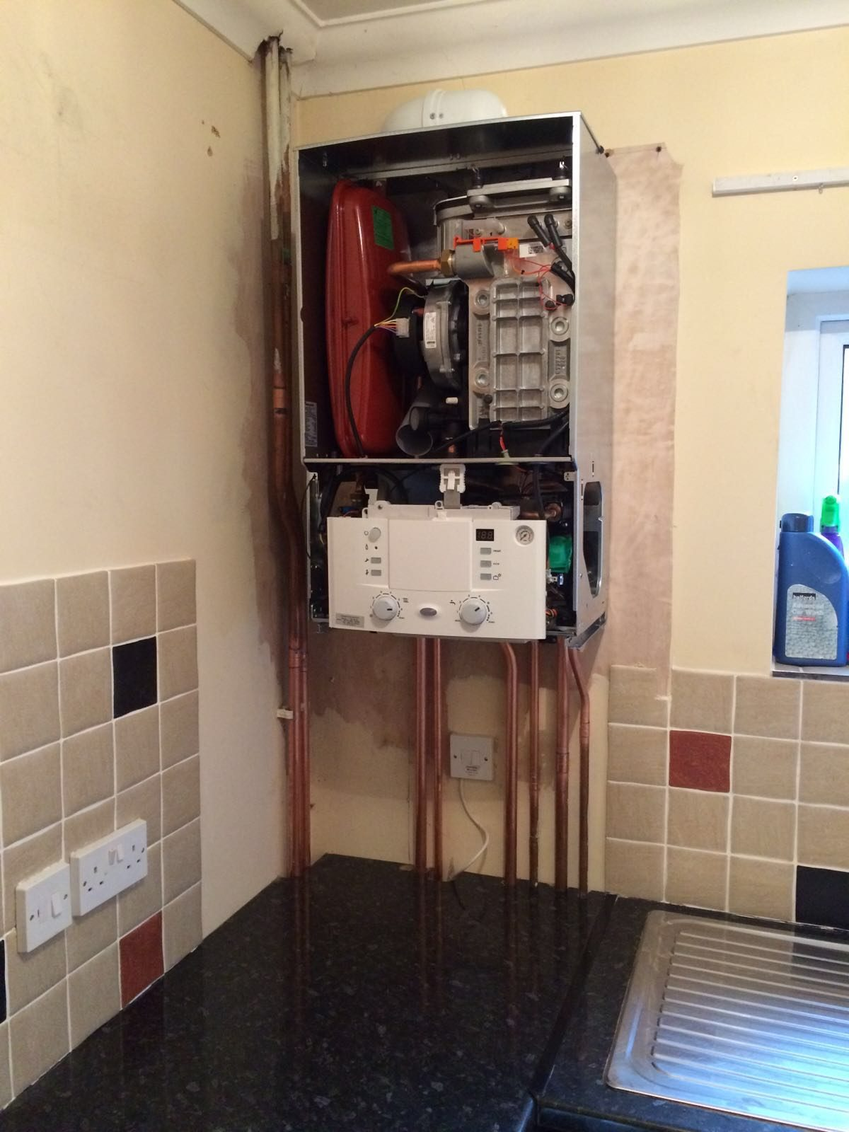 Here4Heat-Worcester-Bosch-Chichester-Combination-Boiler-Change-During-Image-1-1200x1600.jpg